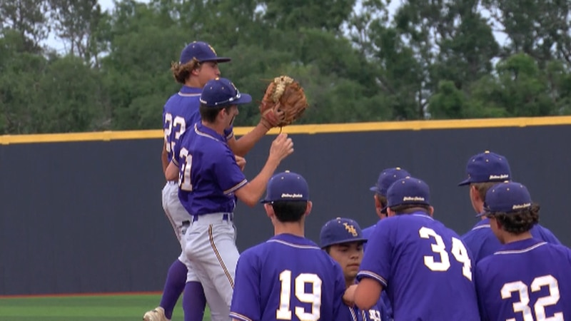 Iowa Yellow jackets won game 2 of their series with Buckeye to get into the quarterfinals