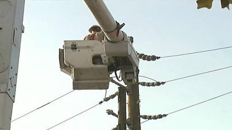 Entergy crews work on lines