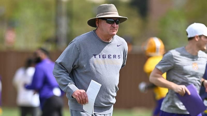 LSU offensive coordinator Steve Ensminger
