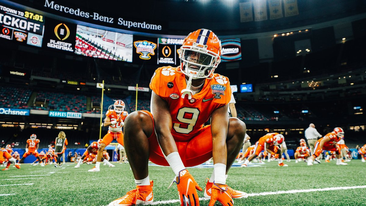Clemson's Travis Etienne set multiple career records in the Tigers' semifinal game vs. Ohio...