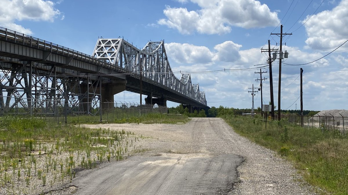 """More than 1,600 bridges in """"poor"""" condition in Louisiana, DOTD Secretary says more funding..."""