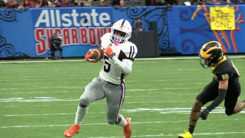 Jennings sophomore runnning back Trevor Etienne runs the football in the 2019 Class 3A State...