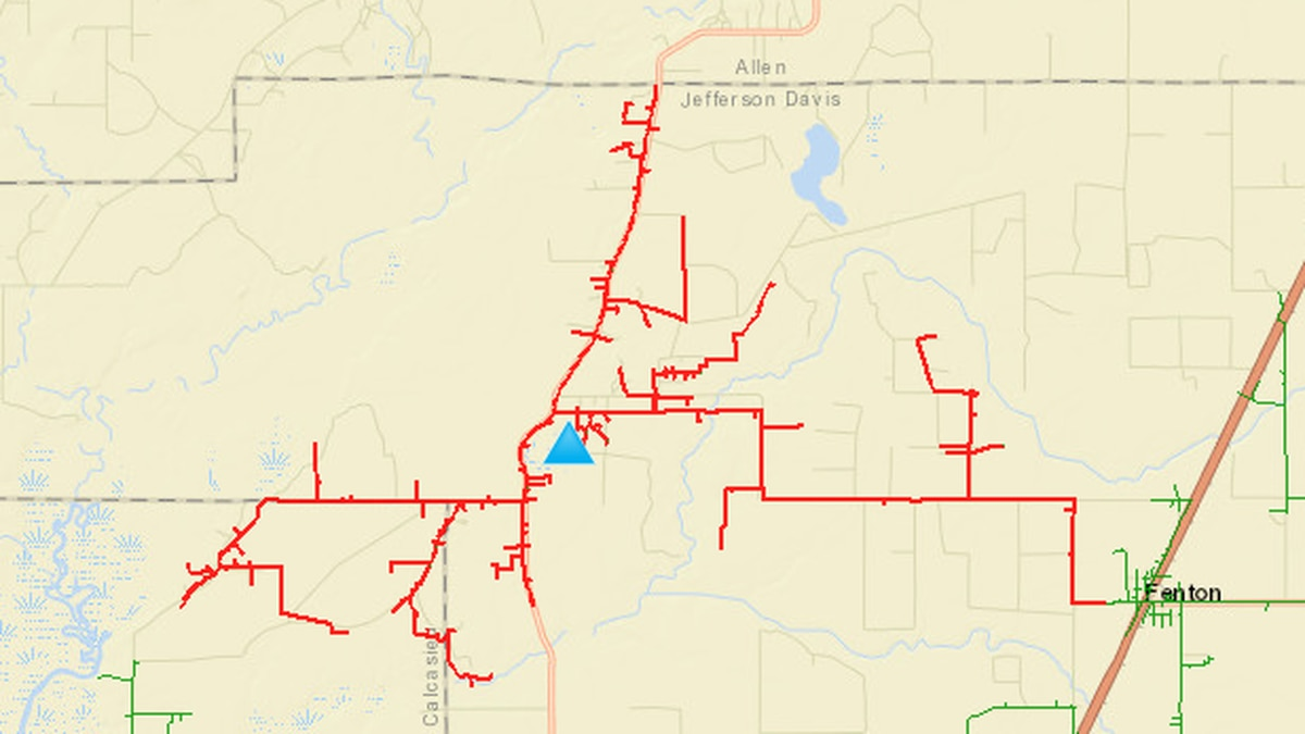 300 residents without power near Fenton