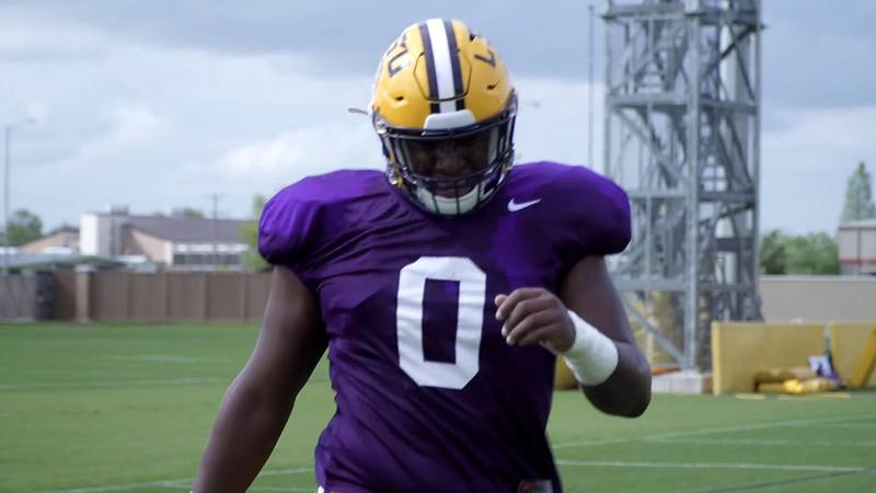 LSU defensive lineman Maason Smith (0) is pushing for early playing time.