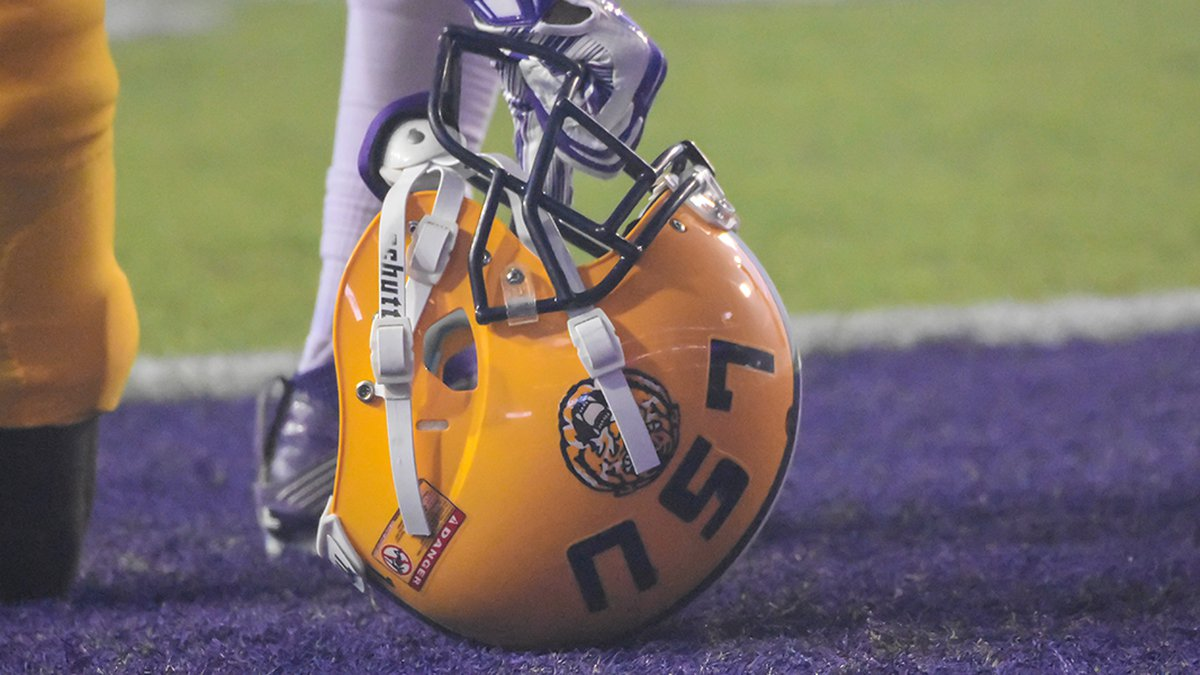 LSU Football pulls in their first 2023 commit.