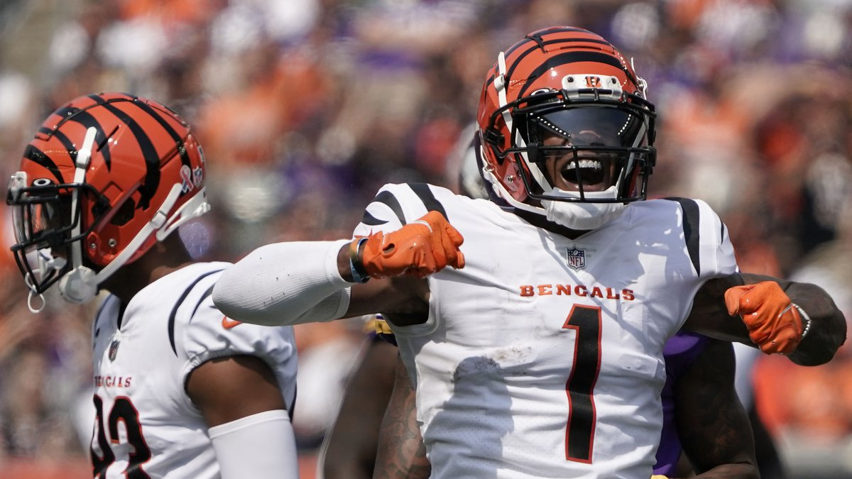 Cincinnati Bengals wide receiver Ja'Marr Chase (1) gestures during an NFL football game against...