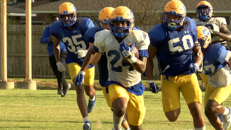 RB Josh Parker on a big run in practice