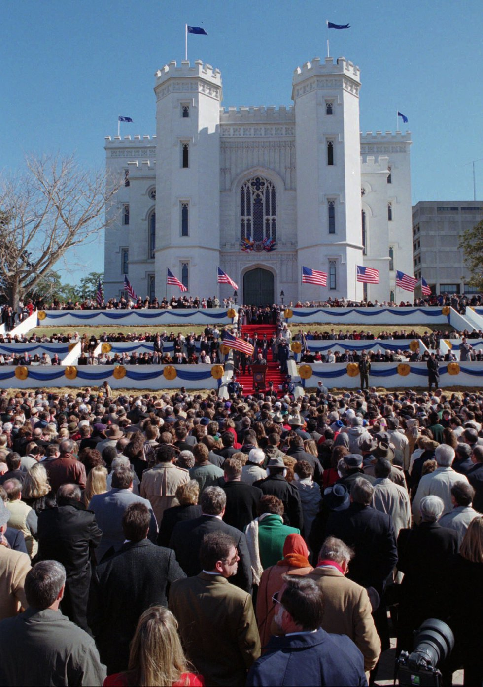 A large crowd listens to newly sworn in Louisiana Governor Mike Foster during Inauguration...