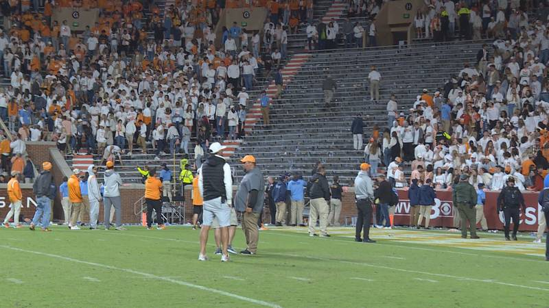 Vols fans delay Ole Miss game by throwing debris onto field