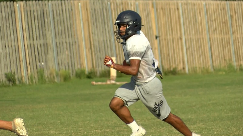 Barbe WR Jamaal Levi at practice