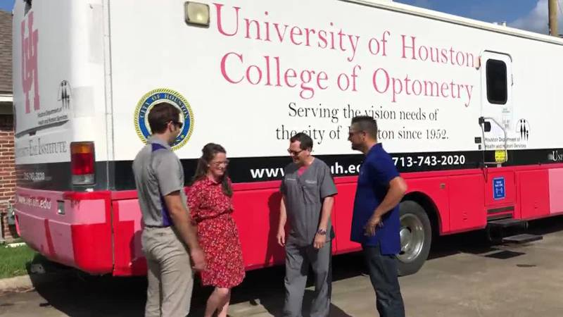 Local doctors help community with mobile eye care center