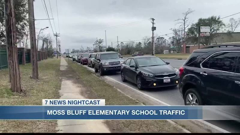 Effort to solve Moss Bluff Elementary traffic issues