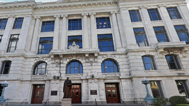 The Louisiana Supreme Court is located at 400 Royal St. in New Orleans.